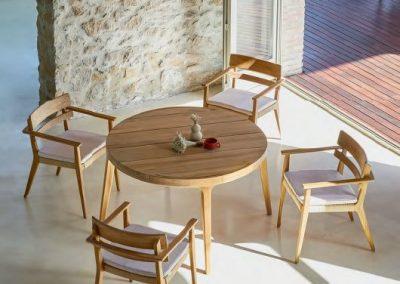 Modernūs lauko ir vidaus baldai Paralel 4