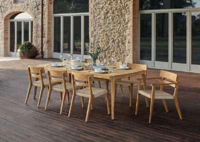 Modernūs lauko ir vidaus baldai Paralel