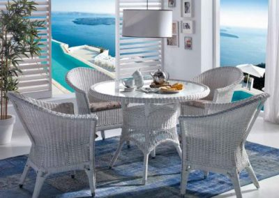 Klasikiniai pinti baldai stalas krėsliukas Wicker 1