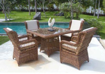 Klasikiniai pinti lauko baldai krėsliukas stalas Ebony 3