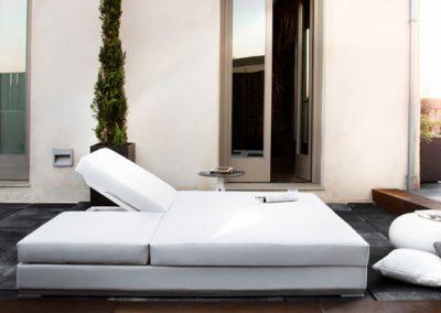 Modernūs lauko baldai gultas Slim 12