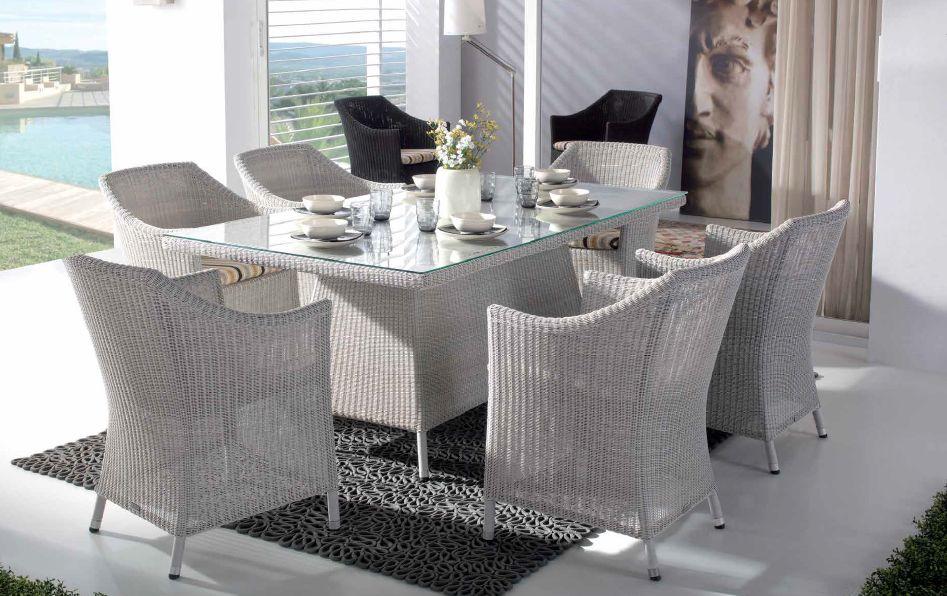 Modernios klasikos lauko baldai krėsliukas stalas Roky