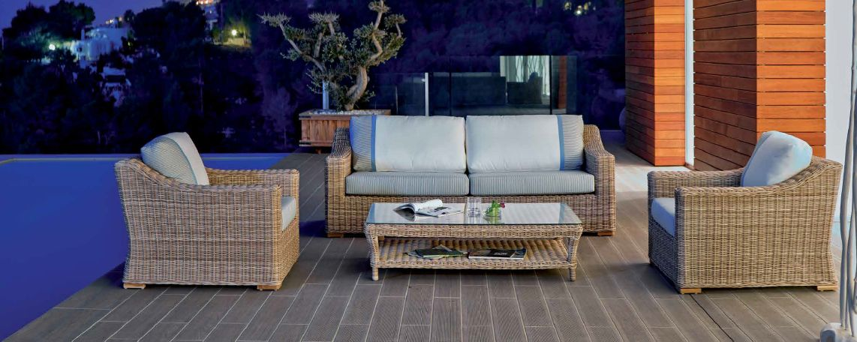 Modernios klasikos lauko baldai sofa Cala