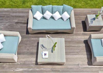 Modernios klasikos lauko baldai sofa Calderan 1