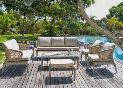 Modernios klasikos lauko baldai sofa Journey 1