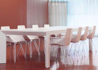 Modernūs lauko baldai krėsliukas stalas Faz 41