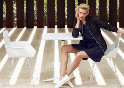 Modernūs lauko baldai krėsliukas staliukas Faz 1