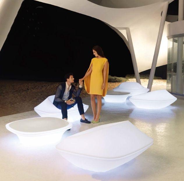 Modernūs lauko baldai krėsliukas staliukas Ufo 1