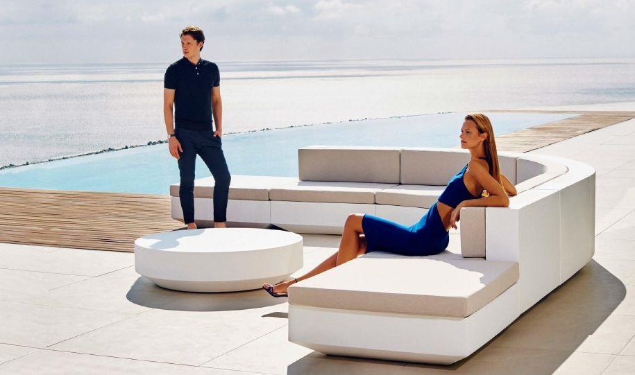 Modernūs lauko baldai sofa staliukas Vela