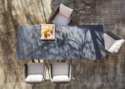 Modernūs lauko baldai stalas Atrivm 4