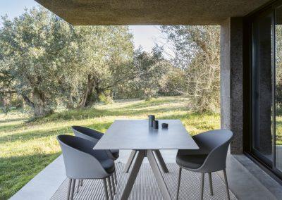 Modernūs lauko baldai stalas Atrivm 8