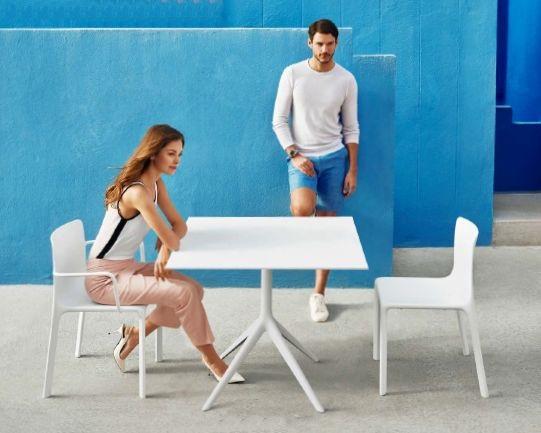 Modernūs lauko baldai stalas kėdė Kes 1