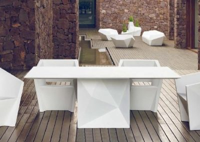 Modernūs lauko baldai stalas krėsliukai Faz 4