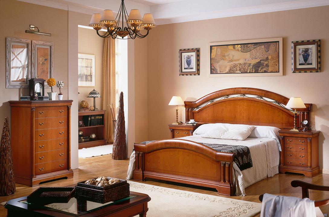 Klasikiniai miegamojo baldai Adriana