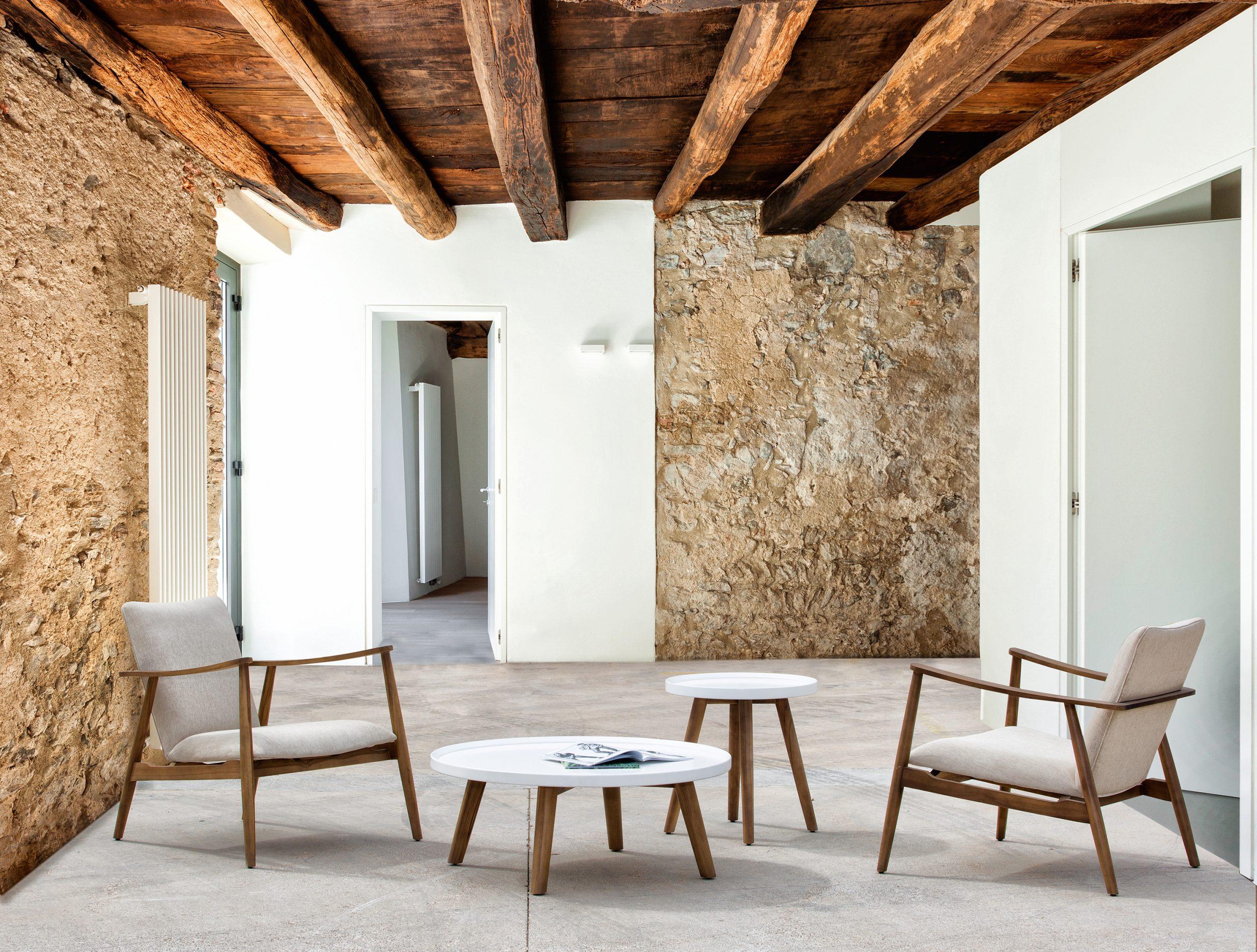 Modernus krėsliukas ir staliukas Capella 1