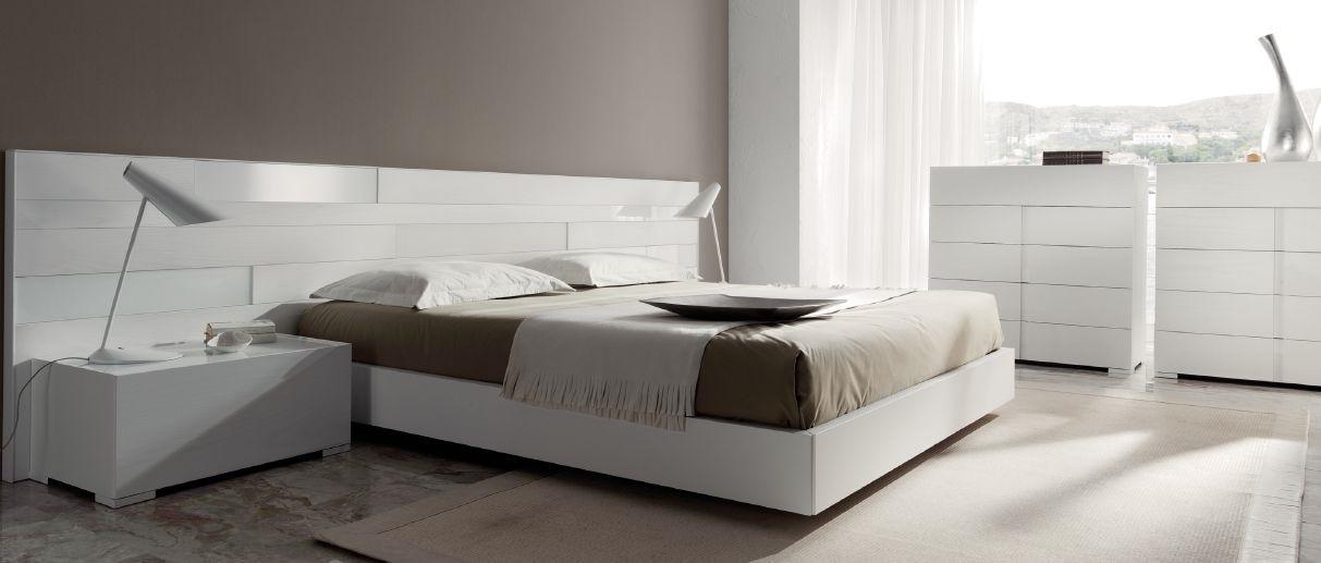 Modernūs miegamojo baldai comp. 16
