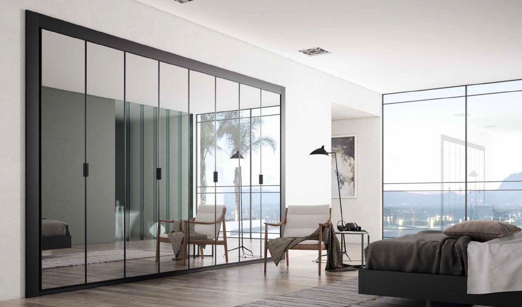Modernūs miegamojo baldai spinta One