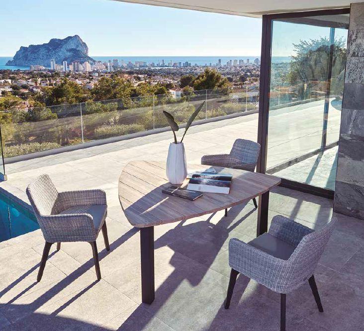 Modernios klasiko stalas Derby krėsliukas Bilbao