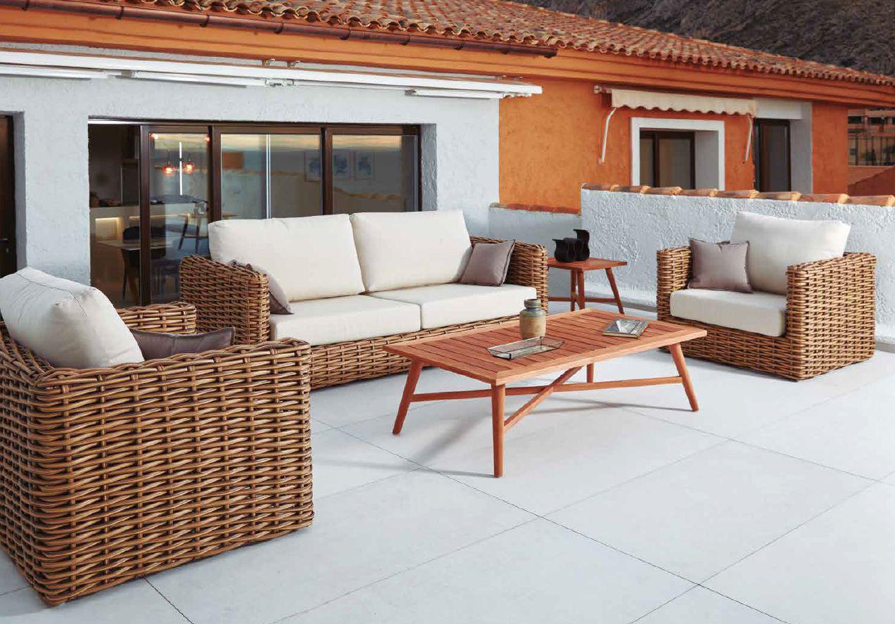 Modernios klasikos lauko baldai sofa staliukas Hout