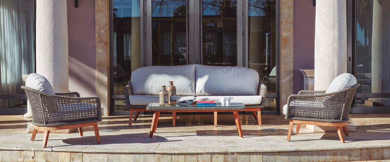 Modernios klasikos lauko baldai sofa staliukas Orsini