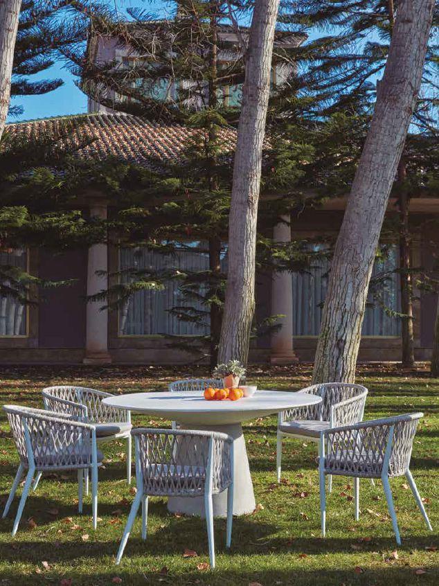 Modernūs lauko baldai krėsliukas staliukas Karamba