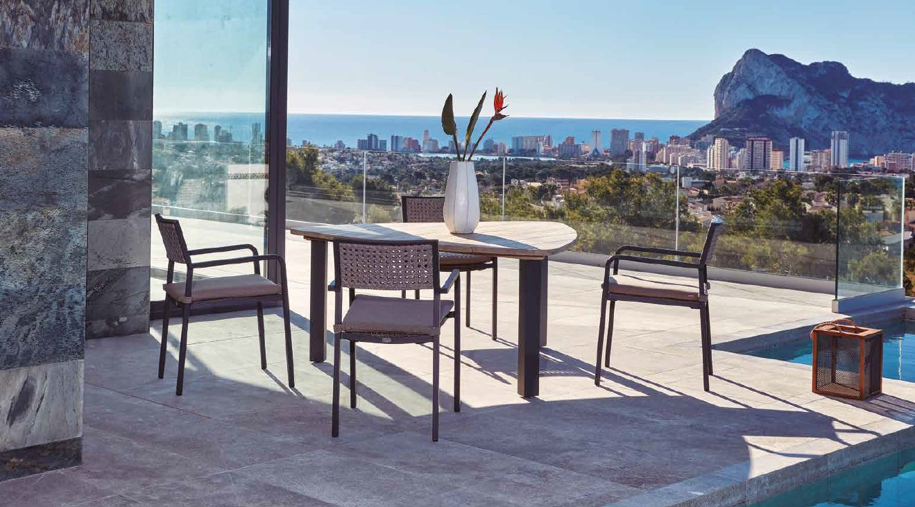 Modernūs lauko baldai stalas Derby kėdė Latvia