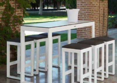 Modernūs lauko baldai aukštas stalas baro kėdės Nerja 14