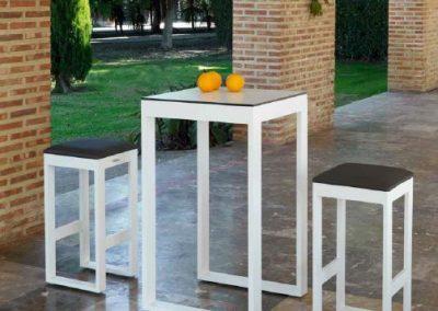 Modernūs lauko baldai aukštas stalas baro kėdės Nerja 15