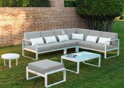 Modernūs lauko baldai kampinė sofa staliukas Nerja 12
