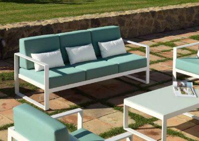 Modernūs lauko baldai sofa staliukas Nerja 10