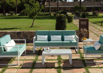 Modernūs lauko baldai sofa staliukas Nerja 9