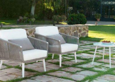 Modernūs lauko baldai sofa staliukas Siena 2