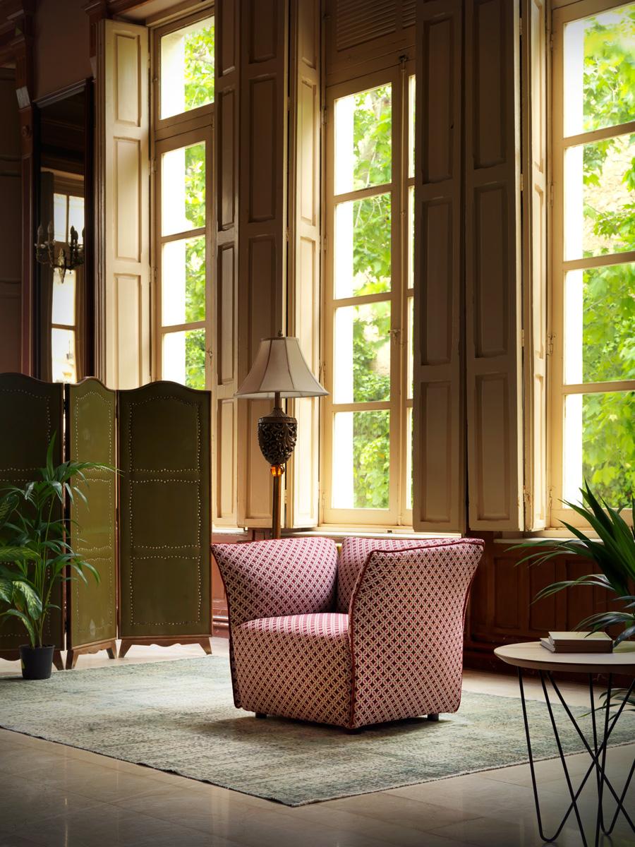 Modernūs minkšti svetainės baldai fotelis Nest 12