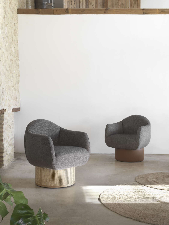 Modernūs minkšti svetainės baldai krėsliukas Guvo