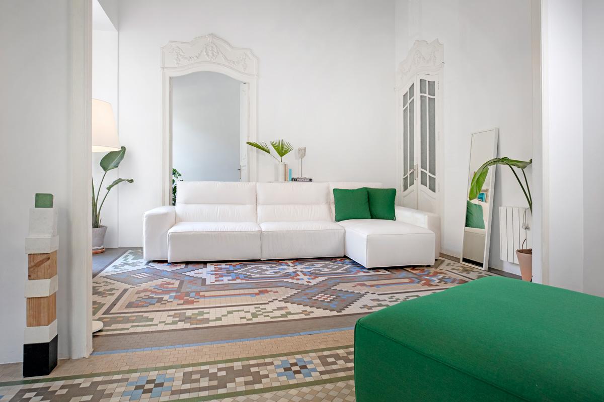 Modernūs minkšti svetainės baldai sofa Palma