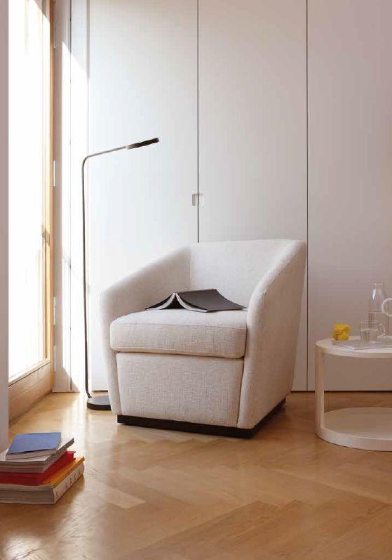 Modernūs minkšti svetainės baldai fotelis Rondo Low 9