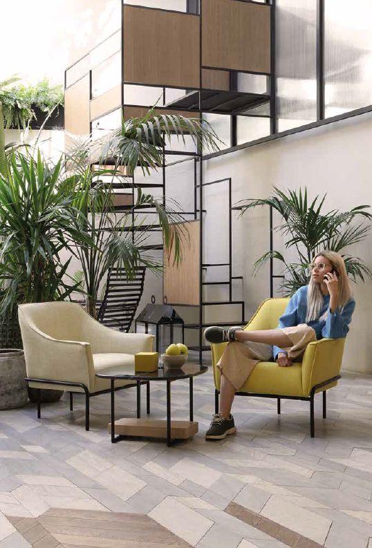 Modernūs minkšti svetainės baldai krėsliukas Calvin 1